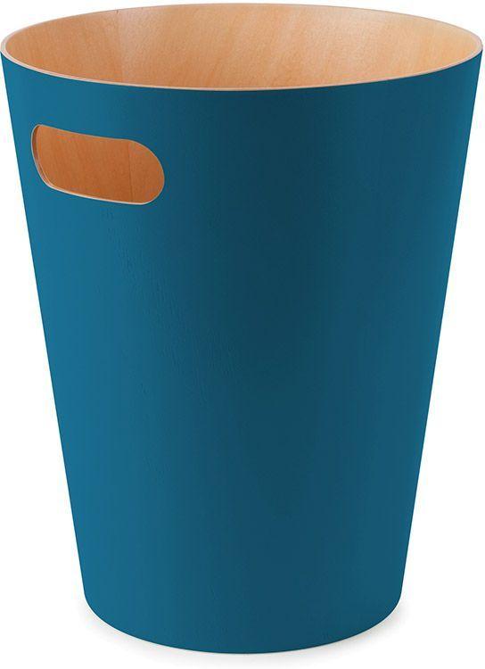 Корзина для мусора Umbra Woodrow, цвет: сине-зеленый, 22,9 х 22,9 х 27,9 см391602Минималистичная корзина для бумаг с удобной ручкой для переноски. Современный дизайн и натуральные материалы позволяют использовать корзину и в детской, и в офисе. Материал — берёзовая гнутая фанера. Объем — 9 литров. Дизайн: Henry Huang
