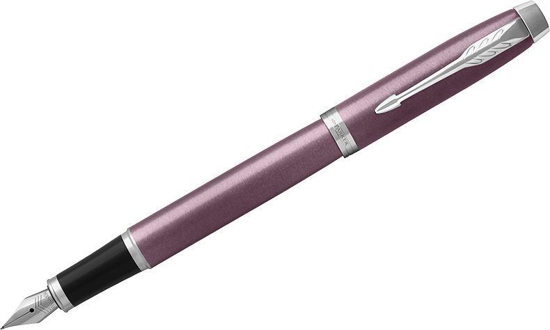 Parker Ручка перьевая IM Light Purple CT синяя1931632Перьевая ручка в лакированном корпусе пурпурного цвета с круговой полировкой. Хромированная отделка деталей с полировкой