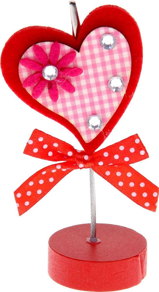Визитница-прищепка Сердце со стразами1215382Полезный аксессуар, который украсит интерьер и внесет в него частичку уюта, доброты, тепла. С обратной стороны находится прищепка, благодаря которой можно закрепить памятную фотографию или открытку с приятным пожеланием. станет оригинальным презентом или украшением праздничного стола.