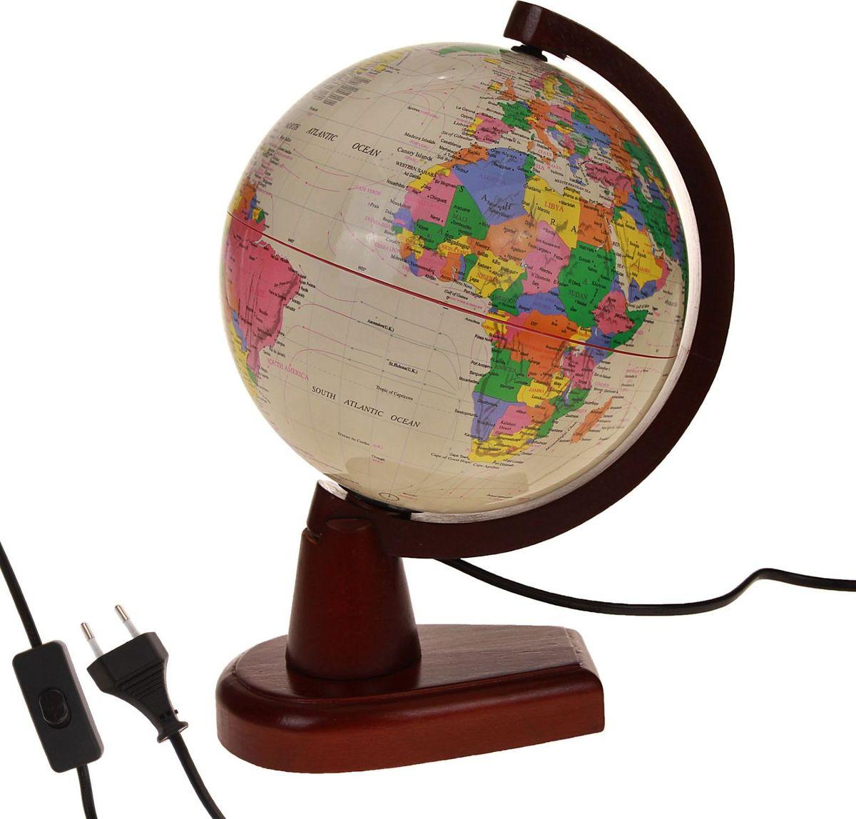 Глобус Политическая карта на английском языке диаметр 20 см186790Данная модель дает представление о политическом устройстве мира. Макет показывает расположение государств, столиц и крупных населенных пунктов. Названия всех объектов приведены на английском языке. Страны окрашены в разные цвета, чтобы вам было удобнее ориентироваться. На глобусе также отображены: экватор параллели меридианы градусы государственные границы демаркационные линии. Используйте изделие как ночник. Он оснащен мягкой, приглушенной LED-подсветкой. Характеристики Высота глобуса с подставкой: 33 см. Диаметр: 20 см. Масштаб: 1:63 000 000. Изготовлен из прочного пластика.