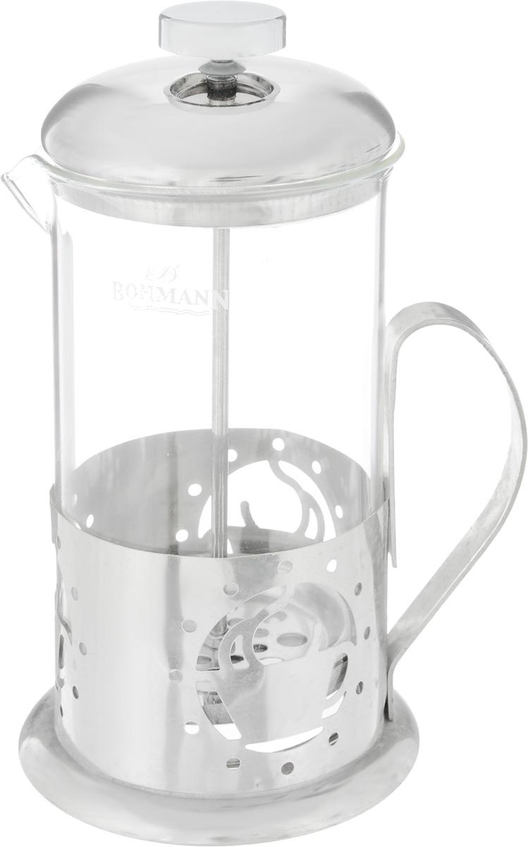 Френч-пресс Bohmann Чашка, 600 мл9560BH_чашкаФренч-пресс Bohmann Чашка станет прекрасным выбором для повседневного использования, встречи гостей или небольших вечеринок. Колба, изготовленная их закаленного стекла, сохранит свежесть и аромат напитка. А конструкция френч-пресса, встроенного в крышку, прекрасно отфильтрует чай и кофе от заварочной гущи. Удобная ручка обеспечит надежную фиксацию в руке. Утолщенный ободок колбы повышает прочность и продлевает срок службы изделия. Насыпьте чай или кофе в стеклянную колбу, добавьте горячей воды и закройте стакан пресс-фильтром. Подождите 3-5 минут, затем медленно опустите пресс-фильтр до упора. Приятного чаепития! Френч-пресс Bohmann В полоску позволит быстро и просто приготовить чай или свежий и ароматный кофе. Объем: 600 мл. Диаметр (по верхнему краю): 9 см. Высота стенки (с учетом крышки): 20 см.