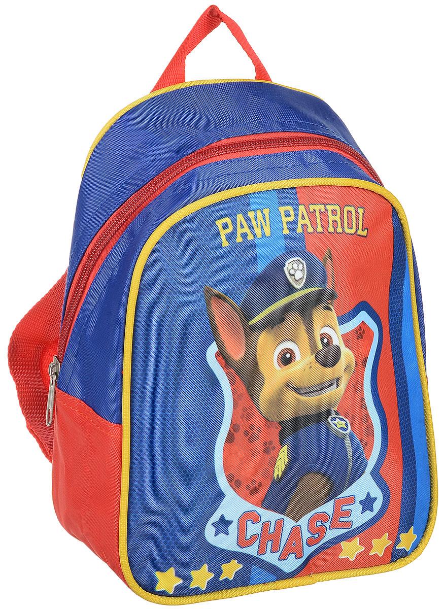 Paw Patrol Рюкзак дошкольный Chase72523WDЛегкий и компактный дошкольный рюкзачок Paw Patrol - это красивый и удобный аксессуар для вашего ребенка. Рюкзак оформлен рисунком с одним из героев любимого детского мультика Щенячий патруль. Рюкзак состоит из одного отделения на застежке-молнии. В отделении легко поместятся не только игрушки, но даже тетрадка или книжка. Благодаря регулируемым лямкам, рюкзачок подходит детям любого роста. Удобная ручка помогает носить аксессуар в руке или размещать на вешалке. Износостойкий материал с водонепроницаемой основой и подкладка обеспечивают изделию длительный срок службы и помогают держать вещи сухими в дождливую погоду.