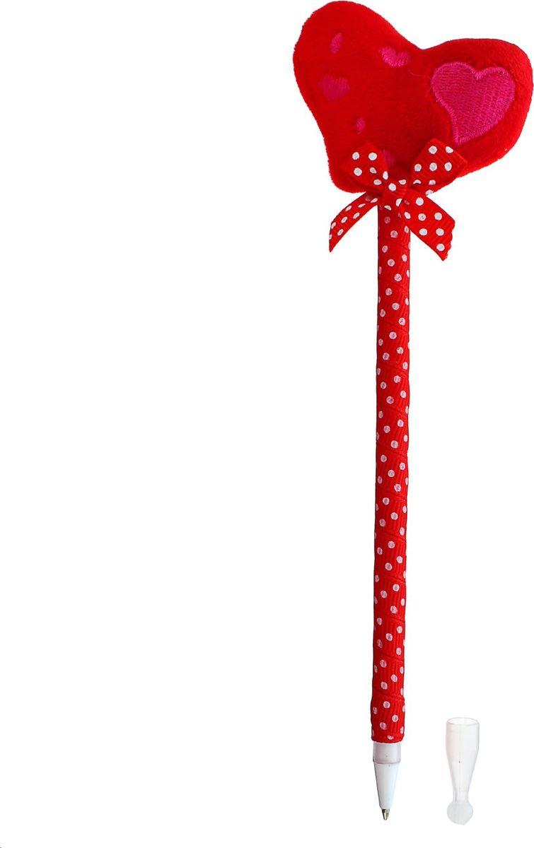 Ручка шариковая Сердце с бантиком синяя72523WDШариковая ручка в необычном воплощении способна творить чудеса! Мягкая ручка Сердце с бантиком — это практичный, яркий, всегда нужный предмет, которым мы пользуемся каждый день. Но она умеет не только писать, но и поднимать настроение всем вокруг. Красочный дизайн придется по вкусу маленьким деткам: браться за уроки они будут с большим энтузиазмом. А для взрослых будет оригинальным украшением рабочего стола и приятным напоминанием о человеке, который преподнес такой ее! Мягкий наконечник в форме сердца настроит на романтичный лад и подарит море позитива — с ней не захочется расставаться ни на минуту.