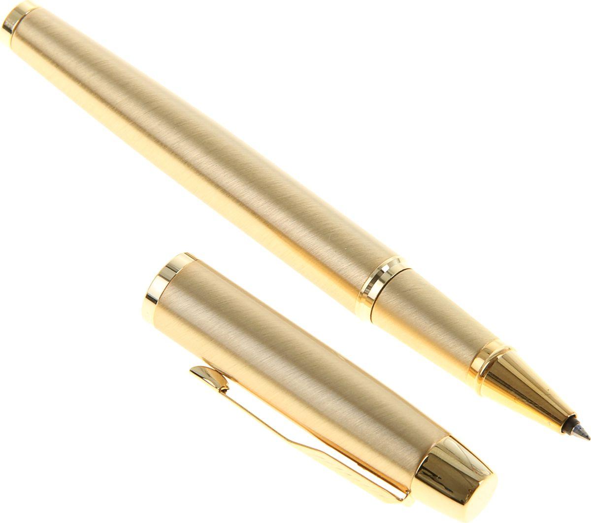 Parker Ручка-роллер IM Metal Brushed Metal Gold GT черная7710899Parker — классика с современным оттенком. Этот культовый бренд отличается неугасаемым стремлением к совершенству. Уже на протяжении столетия он имеет отличную репутацию и ассоциируется с канцелярскими изделиями исключительно высокого качества, подчеркивая тем самым верность традициям, надежность, элегантность, стиль и желание привносить новое в свои образцы. Ручка-роллер Parker IM Metal Brushed Metal Gold GT — сочетание неповторимого дизайна и прекрасного исполнения. Этот аксессуар станет элитным и статусным презентом для коллег, друзей, а также настоящим украшением любого рабочего стола.
