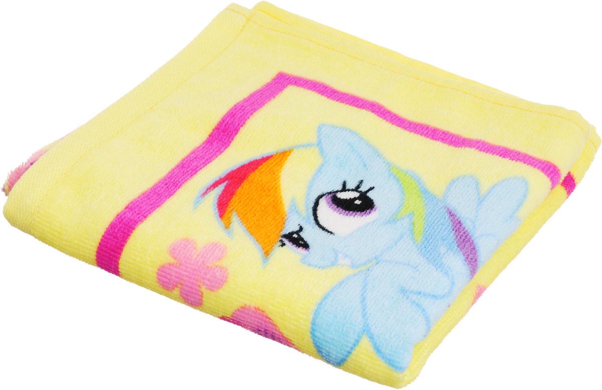 Bravo Полотенце детское Пони цвет желтый 33 x 70 см84491Мягкое хлопковое полотенце Bravo Пони подарит вам и вашей дочурке мягкость и необыкновенный комфорт в использовании. Полотенце украшено изображением обаятельных пони из мультфильма My Little Pony. Красочное изображение любимого героя и невероятная мягкость полотенца обязательно приведут в восторг вашего ребенка и превратят любое купание в веселую и увлекательную игру. Ткань не вызывает аллергических реакций, обладает высокой гигроскопичностью и воздухопроницаемостью. Полотенце великолепно впитывает влагу и не теряет своих свойств после многократной стирки. Порадуйте себя и своего ребенка таким замечательным подарком! Режим стирки: при 40°С.