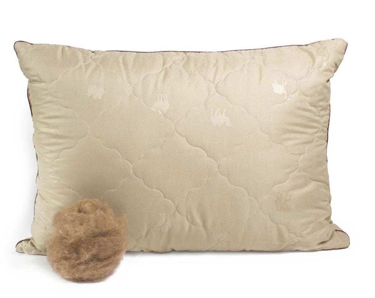 Подушка Peach, средняя, наполнитель: верблюжья шерсть, 50 х 70 смS03301004Средняя подушка Peach прекрасно подойдет тем, кто спит на спине. Наполнитель чехла выполнен из верблюжьей шерсти. Верблюжья шерсть славится своим прекрасным согревающим эффектом, так как способна долгое время сохранять тепло. Она помогает снять стресс и улучшить сон. Помимо этого, такая шерсть отличается терморегулирующим свойством и гигроскопичностью, то есть отлично пропускает воздух благодаря структуре своих волосков. Наполнитель ядра подушки - силиконизированное волокно (искусственный лебяжий пух). Чехол выполнен из микрофибры (100% полиэстер). Подушка простегана и окантована. Стежка надежно удерживает наполнитель внутри и не позволяет ему скатываться.