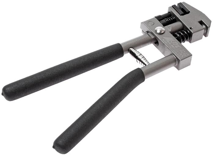 JTC Пробойник-завальцовщик для металла. JTC-35312706 (ПО)Пробойник-завальцовщик для металла JTCОписание Применяется также для завальцовки металла. Толщина металла: до 1,2 мм. Диаметр пробиваемого отверстия: 5 мм. Габаритные размеры: 315/130/30 мм. (Д/Ш/В) Вес: 1184 г.