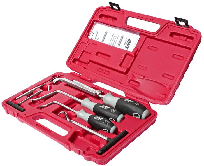 JTC Набор для снятия сальников и шлангов. JTC-40625104Специально предназначен для снятия сальников, уплотнительных колец и шлангов. В комплект входят приспособления различной длины и формы для выполнения разных видов работ. Загнутые под определенным углом рабочие концы идеально подходят для извлечения сальников в условиях ограниченного пространства. Общее количество предметов: 6. Упаковка: прочный переносной кейс. Количество в оптовой упаковке: 10 шт. Габаритные размеры: 330/220/30 мм. (Д/Ш/В) Вес: 1150 гр.