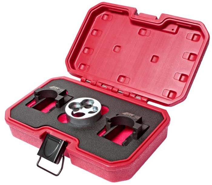 JTC Набор фиксаторов распредвала для установки фаз ГРМ (MERCEDES двиг. М651, ориг. код: 651589014000, 651589004000). JTC-4228JTC-4228В комплект входят фиксирующие устройства, которые предназначены для позиционирования, фиксации и выставления распредвала в требуемое положение. Применение: Мерседес (Mercedes-Benz) двиг. М651 (07-). Оригинальный номер: 651589014000, 651589004000. Габаритные размеры: 250/170/70мм. (Д/Ш/В) Вес: 1523 гр.
