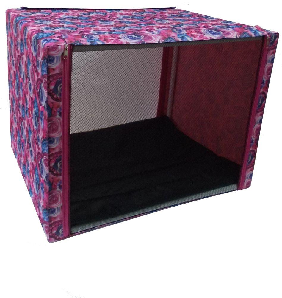Клетка выставочная Заря-плюс, с чехлом, цвет: розовый, сиреневый, 76 х 56 х 56 см0120710Выставочная палатка отличный выбор для участия на любой российской или международной кошачьей выставке.Выставочные клетки для кошек Заря-плюс обладают многочисленными преимуществами: - лицевая сторона палатки выполнена из пленки, которая пристегивается с помощью молнии; - обратная сторона палатки выполнена из сетки, которая также пристегивается с помощью молнии; - боковые стороны палатки закрытые; - палатка выполнена из прочной, высококачественной, водонепроницаемой ткани;- палатка разборная; в комплект входит сборный каркас из пластиковых труб вместе с соединительными уголками, который собирается просто и быстро; - в сложенном виде палатка довольно компактна, при хранении занимает мало места;- палатка переносится в чехле, который входит в комплект;- для удобной переноски чехол имеет короткую и длинную ручки, также на чехле имеется 2 больших кармана на молнии;- в комплект входит матрац со съемным чехлом на молнии; при необходимости матрац легко снимается для стирки. Обратите внимание, что данная выставочная клетка имеет жесткую и очень прочную конструкцию, благодаря чему во время выставки вы можете смело сажать кошку на палатку сверху.Выставочная клетка (76 х 56 х 56 см) отлично подойдет для кошки любой породы.