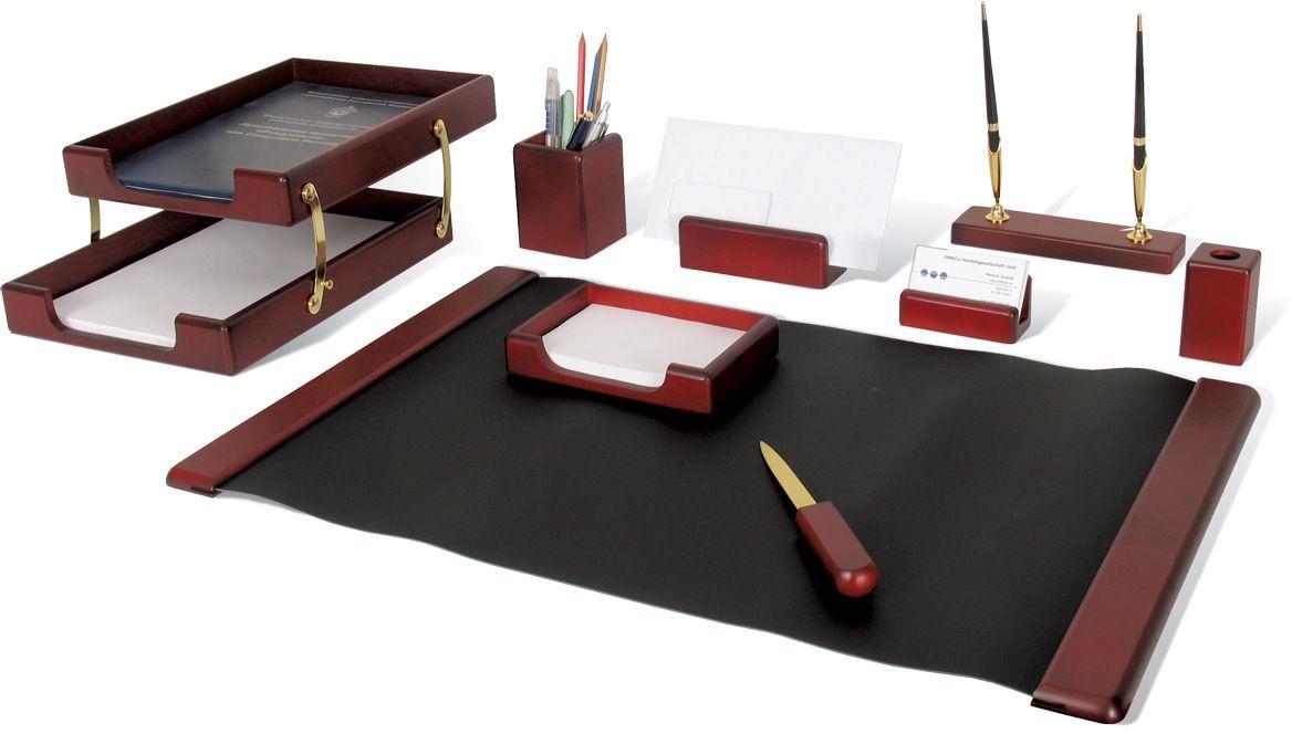 Galant Набор письменных принадлежностей Glory цвет красное дерево 9 предметовPP-220Предметы набора изготовлены из дерева. Упакованы в глянцевую коробку из картона. В комплект входят:•Подставка для визиток. •Стакан для карандашей. •Магнитный диспенсер для скрепок. •Подставка для ручек (2 ручки в комплекте). •Подставка для бумажного блока, размер подставки - 17,3x12,4x3,5 см. •Подставка для писем. •Двойной лоток для бумаг. •Настольный коврик. •Нож для открывания конвертов.