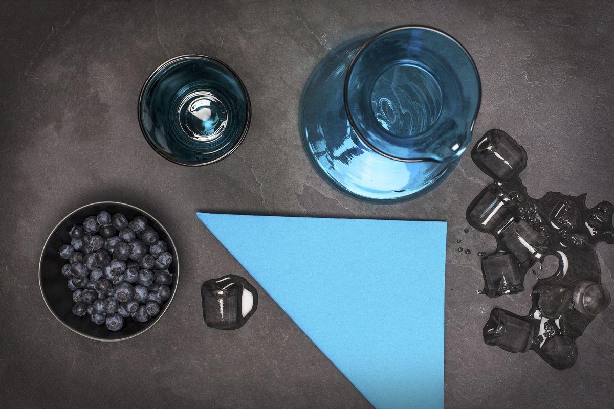 Салфетки бумажные Duni Lin, цвет: голубой, 40 см. 160642VT-1520(SR)Трехслойные бумажные салфетки изготовлены из экологически чистого, высококачественного сырья - 100% целлюлозы. Салфетки выполнены в оригинальном и современном стиле, прекрасно сочетаются с любым интерьером и всегда будут прекрасным и незаменимым украшением стола.