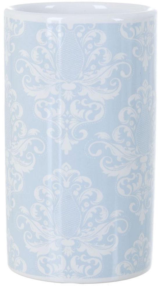 Стакан для ванной ENS Group Орнамент, 300 млUP210DFСтакан для ванной комнаты ENS GROUP Орнамент изготовлен из натуральной и элегантной керамики белого цвета со светло-голубыми узорами.В стакане удобно хранить зубные щетки, пасту и другие принадлежности. Изделие прекрасно дополнит интерьер вашей ванной комнаты и создаст особую атмосферу уюта и комфорта.
