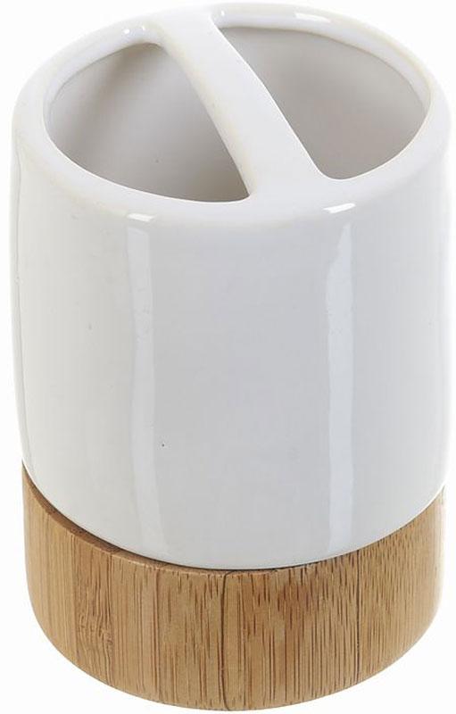 Стакан для зубных щеток White Clean Nature, 250 млUP210DFСтакан для зубных щеток White CLEAN Nature выполнен из сочетания экологически чистого бамбука, устойчивого к высокой влажности, и элегантной натуральной и изящной белой керамики. Изделие превосходно дополнит интерьер ванной комнаты, отлично сочетается с другими аксессуарами из коллекции Nature.