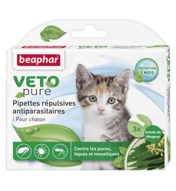 Капли от блох и клещей Beaphar, для котят, 3 х 0,4 мл0120710Капли Beaphar - это капли с натуральными маслами для котят с 12 недельного возраста. Отпугивают блох, клещей и комаров. Одна дозировка защищает животное от паразитов в течение 1 месяца. В упаковке 3 пипетки по 0,4 мл. Способ применения: отломать верх пипетки и нанести содержимое пипетки на холку. Повторить через 4 недели. Осторожно использовать капли на животных с белой шерстью, так как шерсть может слегка окраситься в месте нанесения препарата. Не использовать на больных и выздоравливающих животных. Избегать попадания в глаза, нос животного. Состав: экстракт маргозы 50 г/л.Товар сертифицирован.
