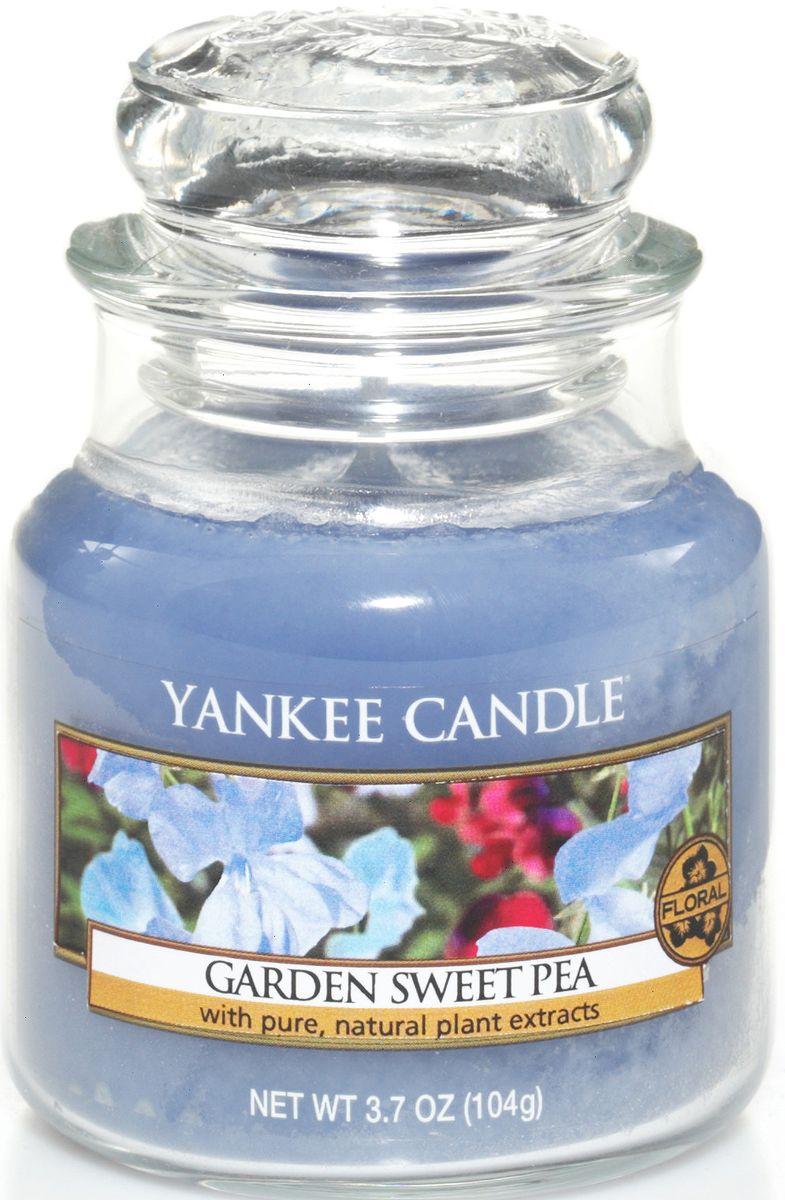Ароматическая свеча Yankee Candle Душистый горошек / Garden Sweet Pea, 25-45 чES-412Сладкий аромат нежных цветков гороха, с оттенками ароматов груши, персика, фрезии и розового дерева.Верхняя нота: Сладкий Горошек, Груша, Белый ПерсикСредняя нота: Фрезия, ОзонБазовая нота: Палисандр, Ваниль, Мускус
