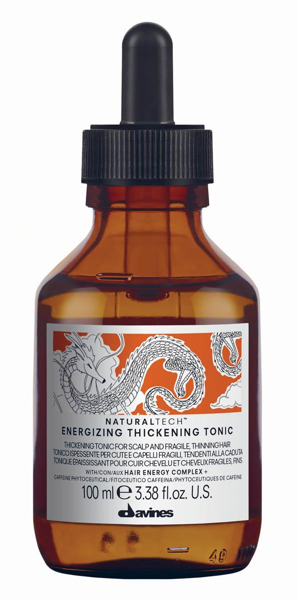 Davines Energizing Thickening Tonic Энергетический утолщающий тоник, 100 мл72523WDЛосьон Давинес предназначен для ухода за ослабленной кожей головы и хрупкими волосами, склонными к выпадению. Стимулирует микроциркуляцию кожи головы. Служит для профилактики сезонного выпадения волос, замедляет процесс облысения за счет мощной стимуляции метаболизма. Содержит фитоактив кофеина. Его действие усилено присутствием сиртуинов и бета-глюкана. Кофеин стимулирует клеточный метаболизм кожи головы, а сиртуины, часто называемые белками долголетия, являются мощными антиоксидантами и обладают омолаживающим действием, стимулируя и укрепляя кожу головы. Благодаря содержанию эфирных масел корицы, имбиря и черного перца, Лосьон Davines оказывает бодрящее действие. Имеет легкий стайлинговый эффект, слегка фиксируя волосы. РН 5,5 Способ применения:Нанесите на кожу головы и массируйте до полного впитывания. Не смывайте.Объем: 100 мл