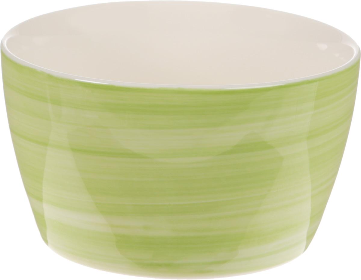Форма для запекания Calve, круглая, цвет: светло-зеленый, 300 млCM000001328Форма для запекания Calve выполнена из жаропрочной керамики. Изделие можно использовать в духовке. Во время процесса приготовления посуда из керамики впитывает лишнюю влагу из продукта и хранит тепло. Такая форма подойдет для хранения блюда в холодильнике и морозильной камере. Можно мыть в посудомоечной машине. Диаметр (по верхнему краю): 10 см. Высота: 6 см. Объем: 300 мл.