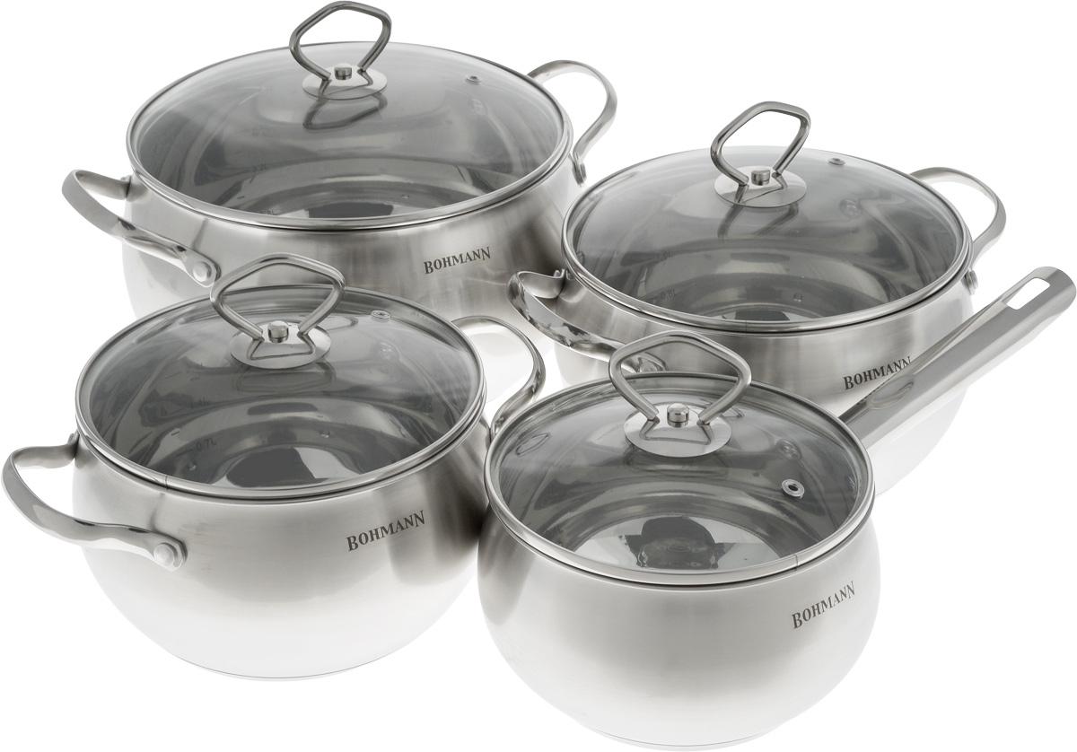 Набор посуды Bohmann, с крышками, 8 предметов. 0806BH94672Набор посуды Bohmann состоит из трех кастрюль и ковша. Предметы набора выполнены из нержавеющей стали и оснащены стеклянными крышками. Крышки имеют металлический обод и отверстие для выпуска пара. Равномерное распределение температуры по всей поверхности обеспечивает быстрое приготовление пищи. Изделия оснащены эргономичными ручками для более удобной переноски. На внутренней стенке имеется шкала литража. Посуда подходит для использования на всех типах плит. Можно мыть в посудомоечной машине. Объем ковша: 2,2 л. Диаметр ковша (по верхнему краю): 16 см. Высота стенки: 10 см.Объем кастрюль: 3 л; 4 л; 7 л. Диаметр кастрюль (по верхнему краю): 18 см; 20 см; 24 см.Высота стенок кастрюль: 11 см; 12 см; 14 см.