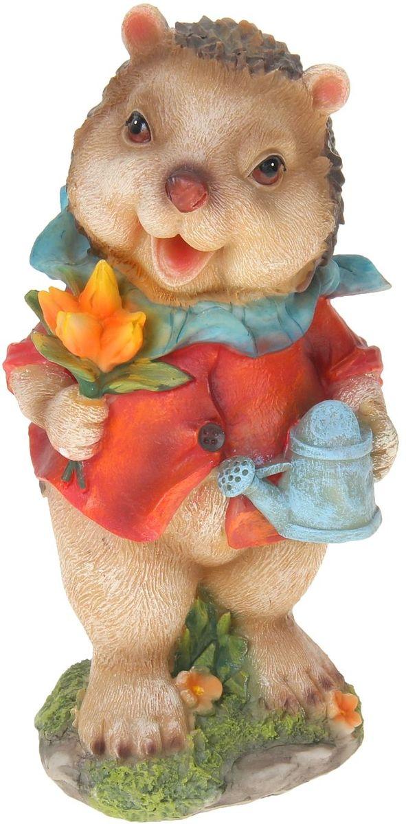 Фигура садовая Ежик с тюльпанами, 13 х 12 х 25 смA6483LM-6WHСад — гордость дачника. Сделайте любимый участок ещё наряднее! Украсьте его оригинальной фигуркой из долговечного материала. Она обновит привычный ландшафт и сделает его неповторимым. Фигурку можно использовать не только в качестве декора садового участка, но и в качестве сувенира для дома. Эффектно украсьте прихожую, чтобы приятно удивить гостей, или сделайте уютнее зелёный уголок, дополнив его этой скульптурой.
