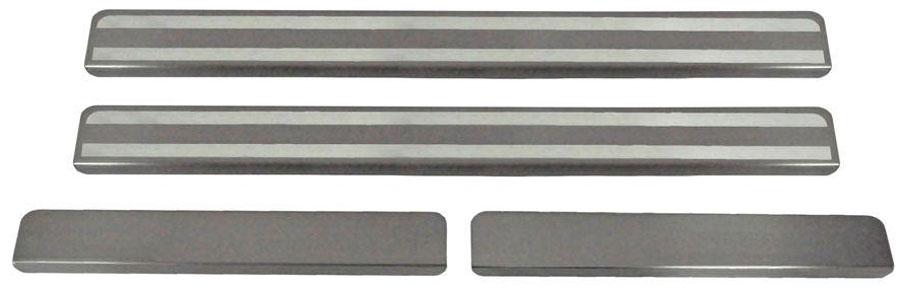 Накладки на пороги Автоброня, для Renault Logan 2014-, 4 шт. NPRELOG0135104Накладки на пороги Автоброня создают индивидуальный интерьер автомобиля и защищают лакокрасочное покрытие от механических повреждений.- В комплект входят 4 накладки (2 передние и 2 задние).- Использование высококачественной итальянской нержавеющей стали AISI 304 (толщина 0,5 мм).- Надежная фиксация на автомобиле с помощью скотча 3М серии VHB.- Устойчивое к истиранию изображение на накладках нанесено методом абразивной полировки.- Идеально повторяют геометрию порогов автомобиля.- Легкая и быстрая установка.