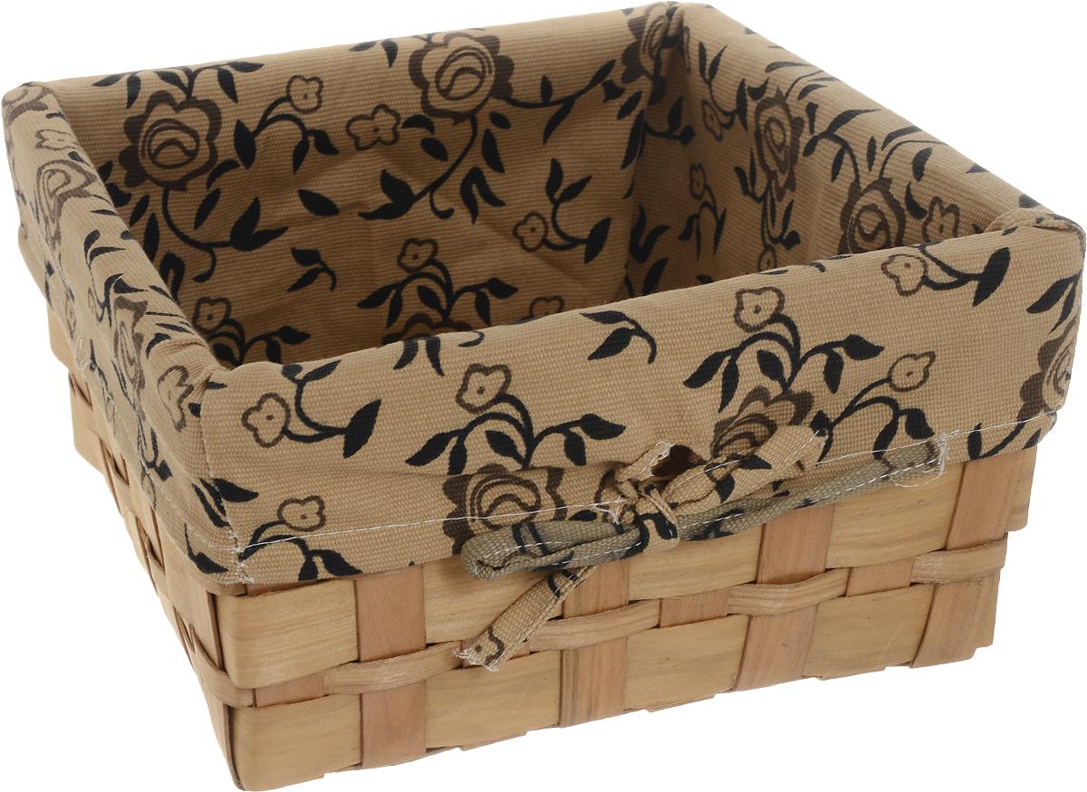 Корзина плетеная Miolla, 25 х 25 х 13 см. QL400449-M20110415Вместительная плетеная корзина для хранения Miolla - отличное решение для хранения ваших вещей. Корзина выполнена из дерева и дополнена текстилем с цветочным принтом. Подходит для хранения бытовых вещей, аксессуаров для рукоделия и других вещей дома и на даче. Экономьте полезное пространство своего дома, уберите ненужные вещи в удобную корзину или используйте ее для хранения дорогих сердцу вещей, которые нужно сберечь в целости и сохранности.