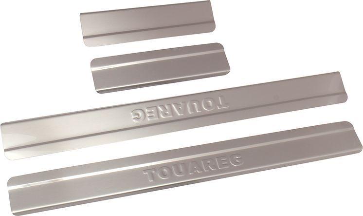 Накладки внутренних порогов DolleX, для VW Touareg (2015->), ступенчатые, 4 шт2706 (ПО)Придают автомобилю стильный и неповторимый вид, эффективно защищают пороги от повреждения лакокрасочного покрытия.Отличительные особенности:- Полностью повторяет геометрию порога;- Полированная нержавеющая сталь;- Толщина стали 0,5 мм.;- Стильный внешний вид;- Легкая и быстрая установка;- Крепление лента липкая двухсторонняя.Комплект: размер 500х51 мм - 2 шт.размер 200х51 мм - 2 шт.
