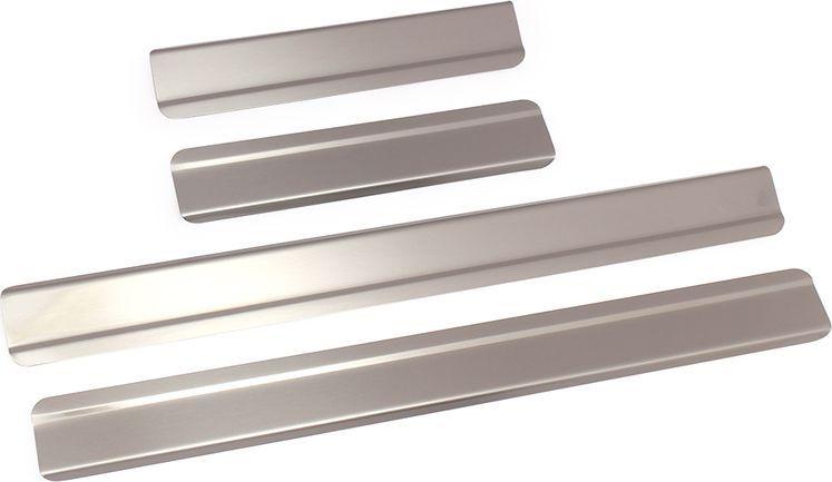 Накладки внутренних порогов DolleX, для VW Tiguan (2011->), ступенчатые, 4 шт2706 (ПО)Придают автомобилю стильный и неповторимый вид, эффективно защищают пороги от повреждения лакокрасочного покрытия.Отличительные особенности:- Полностью повторяет геометрию порога;- Полированная нержавеющая сталь;- Толщина стали 0,5 мм.;- Стильный внешний вид;- Легкая и быстрая установка;- Крепление лента липкая двухсторонняя.Комплект: размер 450х42 мм - 2 шт.размер 220х42 мм - 2 шт.