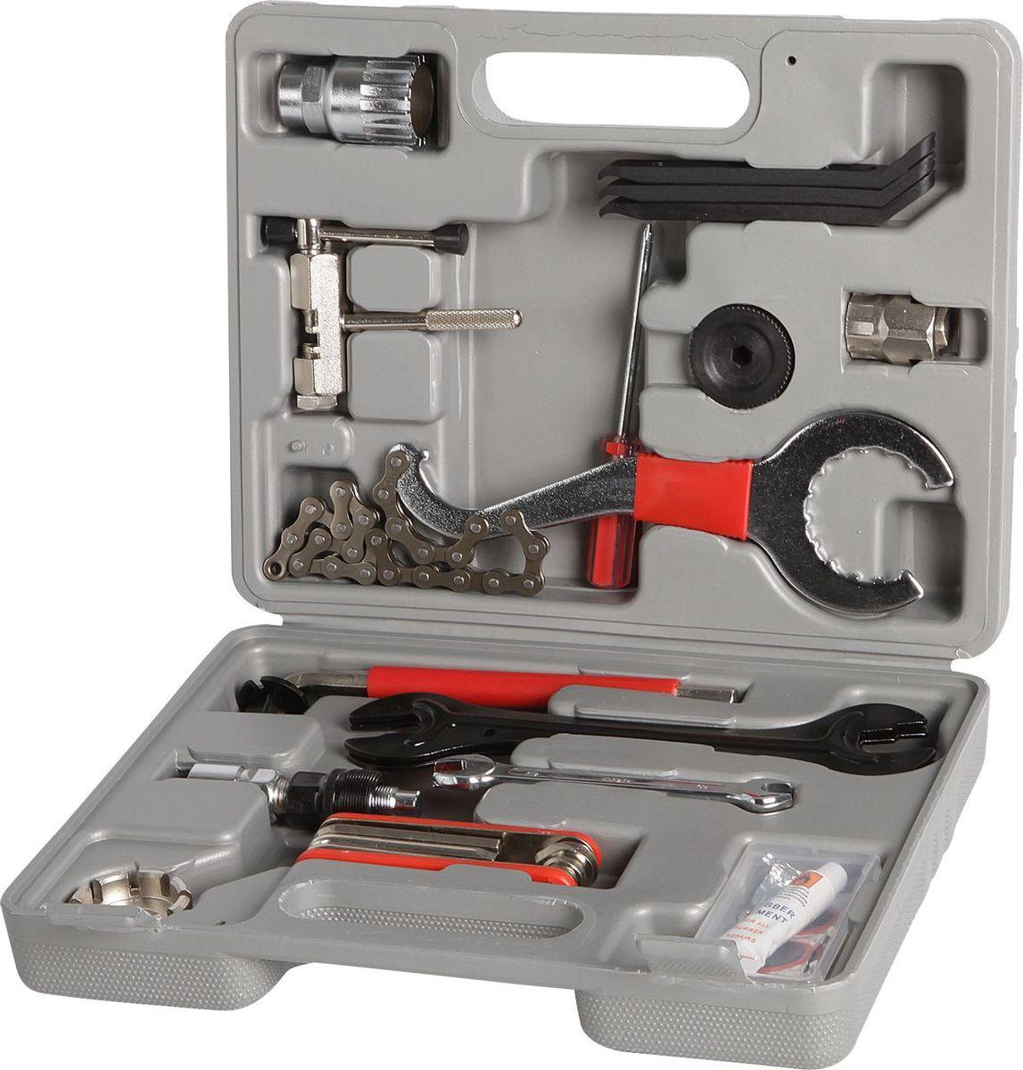 Набор ключей STG, 18 предметовMW-1462-01-SR серебристыйНабор в пластиковом чемоданчике. Вес: 1630гр. Набор - 18 инструментовСъемник каретки, выжимка цепи, хлыст, накидной ключ каретки, крестовая отвертка, ключ ISIS, съемник трещотки, монтажки пластиковые 3шт., шестигранник 8мм, конусные ключи 2шт-13мм, 14мм, 15мм, 16мм, рожковый ключ - 8мм, 10мм, спицевой ключ, велоаптечка ( клей, металлическая шкурка, резиновый ниппель, 5 заплаток), складной набор (шестигранники - 2мм, 3мм, 4,мм, 5мм, 6мм, отвертки - крестовая, плоская).