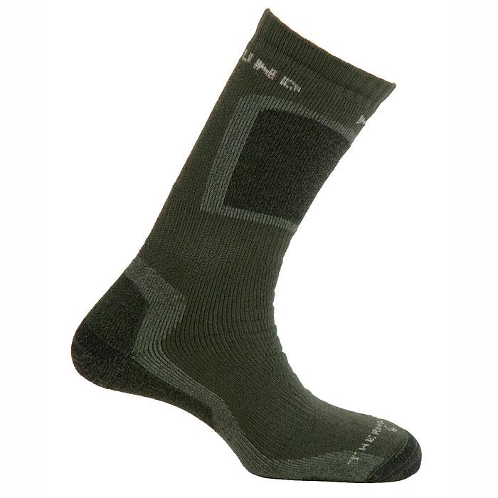 Термоноски442Термоноски Mund Hunting extreme - это высокие толстые носки для охотников, рыбаков и повседневной носки, сохраняющие тепло при температуре до -27°C. Использование специальных полых внутри волокон Thermolite обеспечивает комфорт сухого тепла, а так же отведение влаги с поверхности ступни. Носки сохраняют свои согревающие свойства даже во влажном состоянии. Эластан и Lycra входящие в состав носков, обеспечивают оптимальное облегание ноги, а полиамид повышает износостойкость. Если вас интересуют носки размера 36-40, то обратите внимание на модель-аналог Термоноски Mund K2 Extreme, цвет: синий, серый. Размер M (36-40).