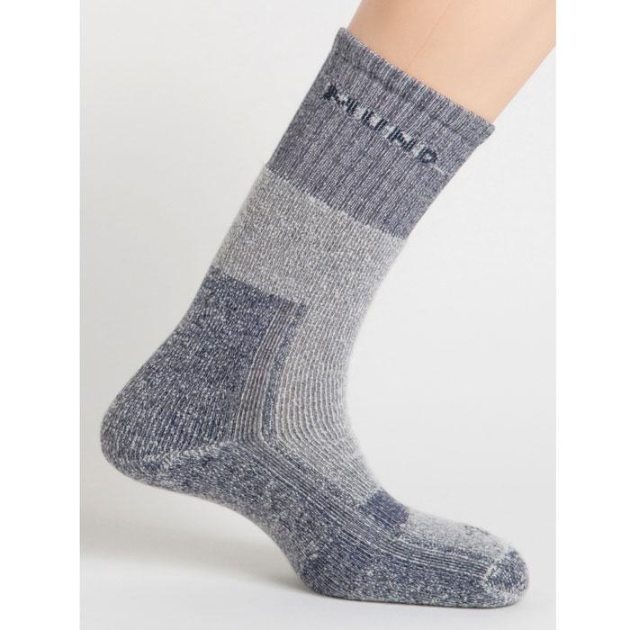Термоноски402Зимние треккинговые носки из шерстяной нити. Сохраняют тепло при температуре до -15°С. Носок содержит полиамид для повышения износостойкости, эластан и лайкру для оптимального облегания ноги.