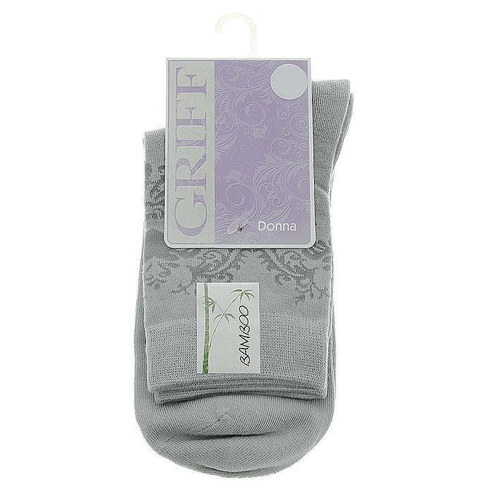НоскиD28Женские носки Griff Орнамент изготовлены из высококачественного сырья. Носки очень мягкие на ощупь, а широкая резинка плотно облегает ногу, не сдавливая ее, благодаря чему вам будет комфортно и удобно. Усиленная пятка и мысок обеспечивают надежность и долговечность. Носки на паголенке оформлены цветочным орнаментом.