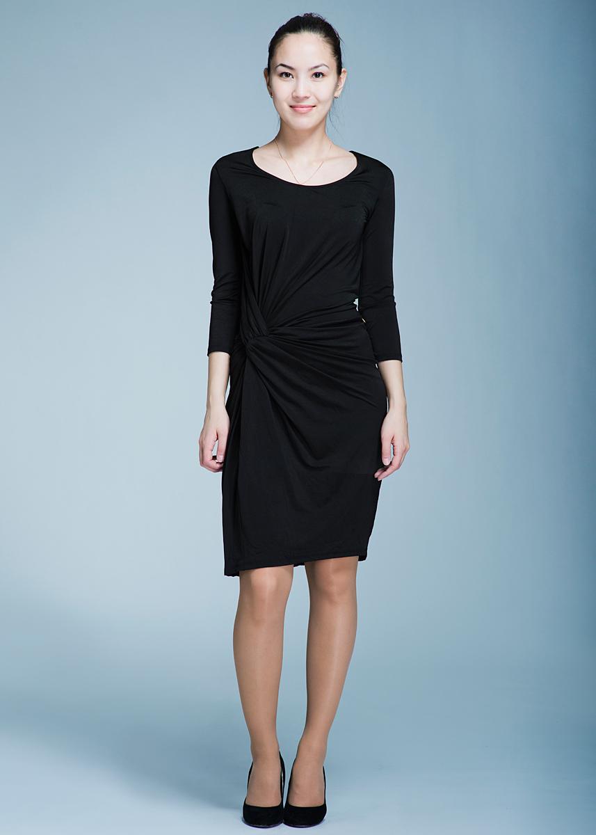 Платье Met, цвет: черный. 70DVE0462J962. Размер S (42)70DVE0462J962Оригинальное платье Met облегающего кроя выполнено из высококачественного материала. Платье отлично подойдет как для особых случаев, так и для повседневного ношения.Платье приталенного силуэта с круглым вырезом горловины и рукавами длины 7/8 выгодно подчеркивает достоинства фигуры каждой девушки и женщины. На талии оформлено оригинальной драпировкой.Грамотно разработанная конструкция изделия, позволяем ему идеально садиться на любую фигуру. В таком замечательном платье вы всегда будете в центре внимания!