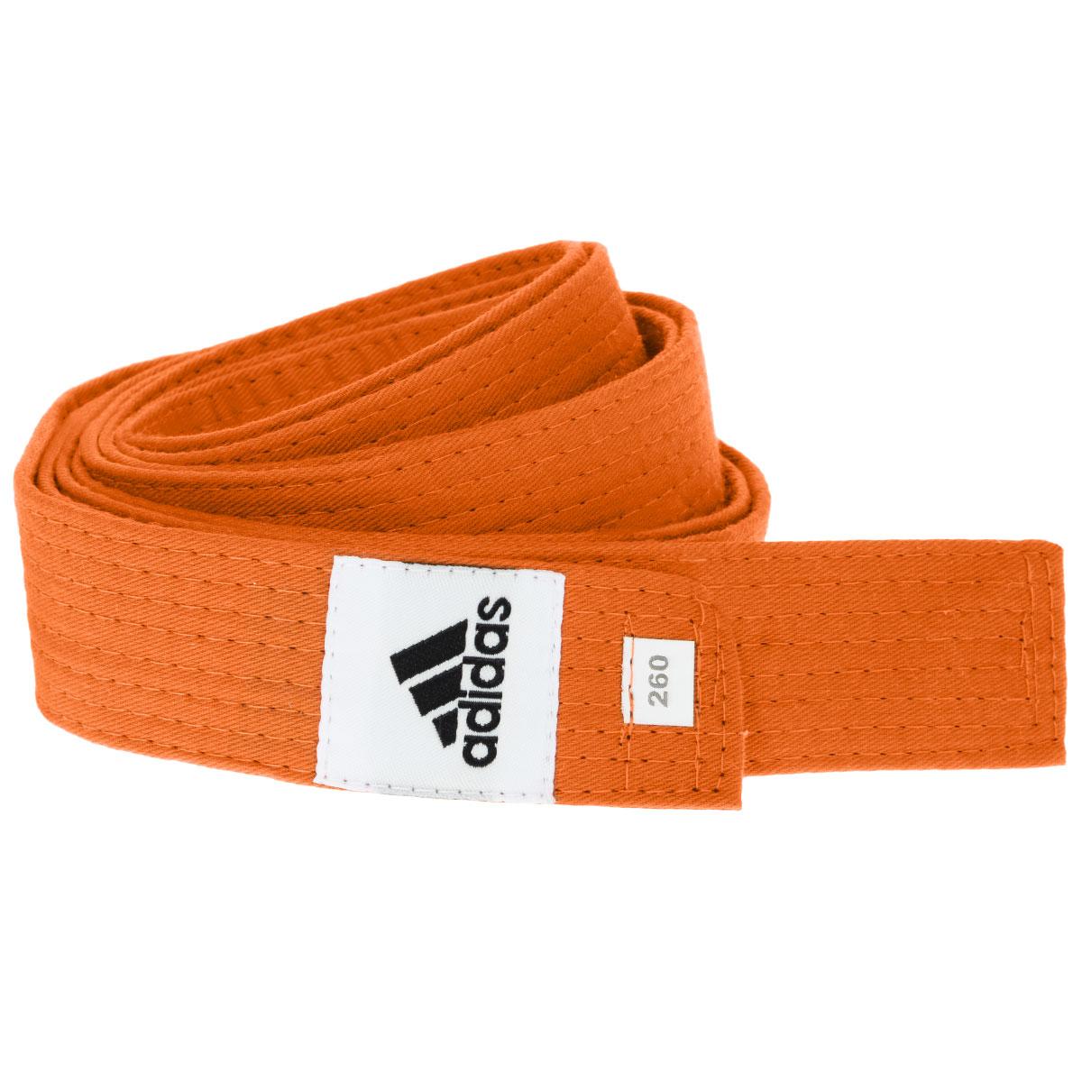 Пояс для единоборствadiB220Пояс для единоборств adidas Club - универсальный пояс для кимоно. Пояс выполнен из плотного хлопкового материала с прострочкой. Такой пояс - необходимый аксессуар для тех, кто занимается боевыми искусствами.