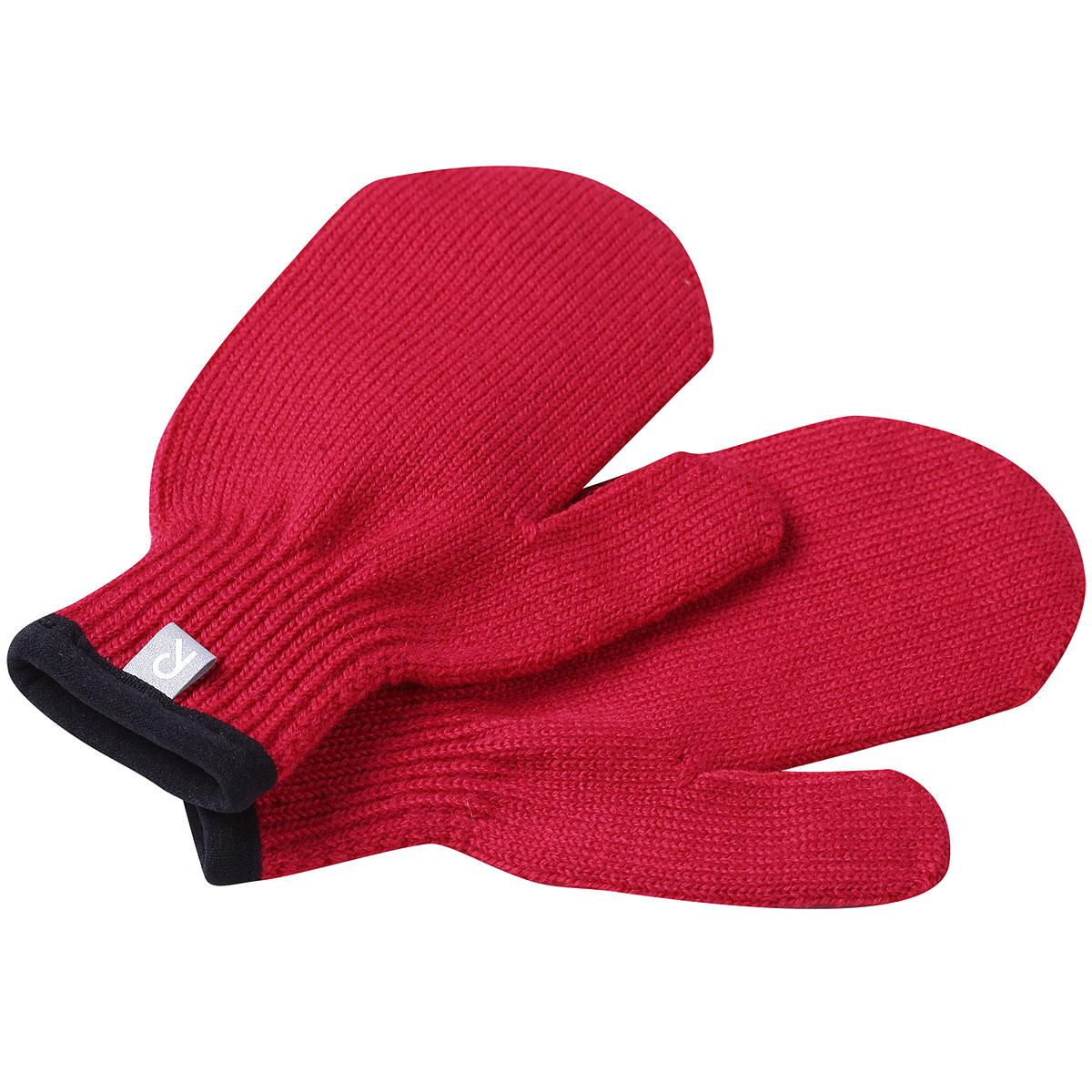 Варежки527188_9990Детские вязаные варежки Reima для малышей, изготовленные из эластичной ткани Magic Stretch с добавлением шерсти, станут идеальным вариантом для холодной зимней погоды. Пряжа хорошо сохраняет тепло, не сковывает движения малыша и позволяет коже дышать, не раздражает даже самую нежную и чувствительную кожу ребенка, обеспечивая ему наибольший комфорт. С внешней стороны варежки оформлены светоотражающими элементами для безопасности в темное время суток.