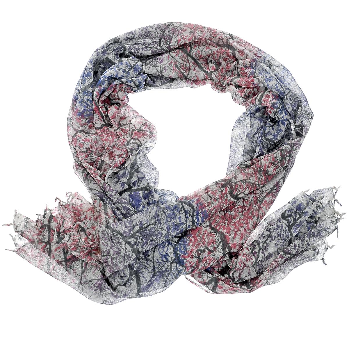 ПалантинW-TREE2/BLUEСтильный палантин Michel Katana согреет в холодное время года, а также станет изысканным аксессуаром, который призван подчеркнуть вашу индивидуальность и стиль. Палантин выполнен из шерсти и декорирован принтом с изображением деревьев. По краям изделие оформлено кистями.