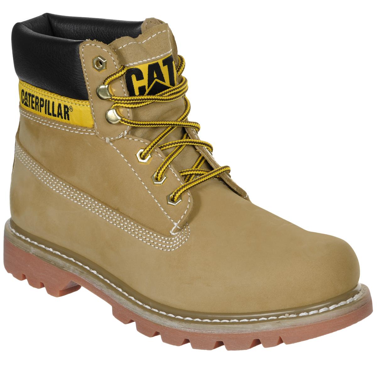 БотинкиP306831Стильные женские ботинки Colorado от Caterpillar надежно защитят вас от холода. Верх выполнен из натуральной замши со вставками из полиуретана. Подкладка изготовлена из мягкого текстильного материала, позволяющего сохранять ваши ноги в тепле. Шнуровка надежно фиксирует модель на ноге. Оформлено изделие по бокам и на язычке нашивками с названием и логотипом бренда. Стельки из пластика EVA обеспечивают комфортное положение стопы и амортизацию. Резиновая подошва с крупным протектором обеспечивает хорошее сцепление с поверхностью. Такие ботинки отлично подойдут для каждодневного использования и подчеркнут ваш стиль и индивидуальность.