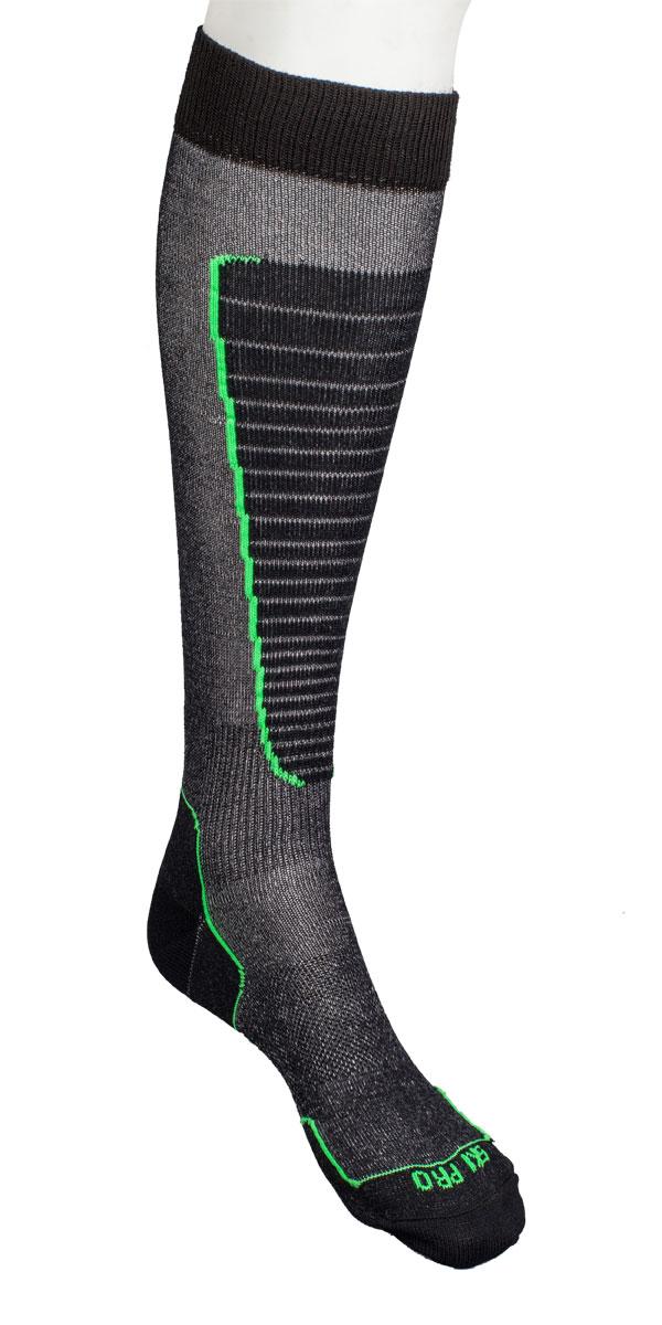 Термоноски0230_155- Носок очень мягкий. - Идеально подходит для горнолыжных ботинок с термо-формовкой. - Дополнительная защита голени. - Мягкая резинка по верху носка не сжимает ногу и не дает ощущения сдавливания даже при длительном использовании. - Специальное плетение в области стопы фиксирует ногу при занятиях спортом и ходьбе и не дает скользить стопе вперед. Итальянская компания MICO один из ведущих производителей носков и термобелья на Европейском рынке для занятий различными видами спорта. Носки предназначены для для занятий различными видами спорта, в том числе для носки в городе в очень холодную погоду.