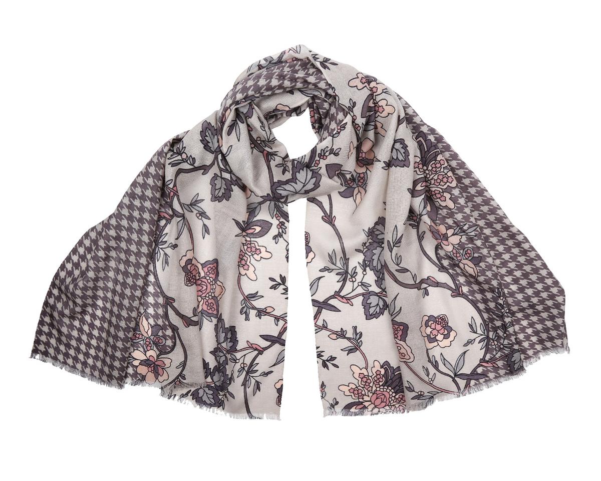 ШарфYNNT0130-5Оригинальный шарф из мерсеризованной шерсти Fabretti в спокойной цветовой гамме, станет изысканным нарядным аксессуаром и согреет холодными зимними днями! Цветочный дизайн полотна придает модели удивительно динамичное и яркое настроение. Края модели оформлены коротенькой бахромой. Этот модный аксессуар женского гардероба гармонично дополнит образ современной женщины в прохладное время года, следящей за своим имиджем и стремящейся всегда оставаться стильной и элегантной.