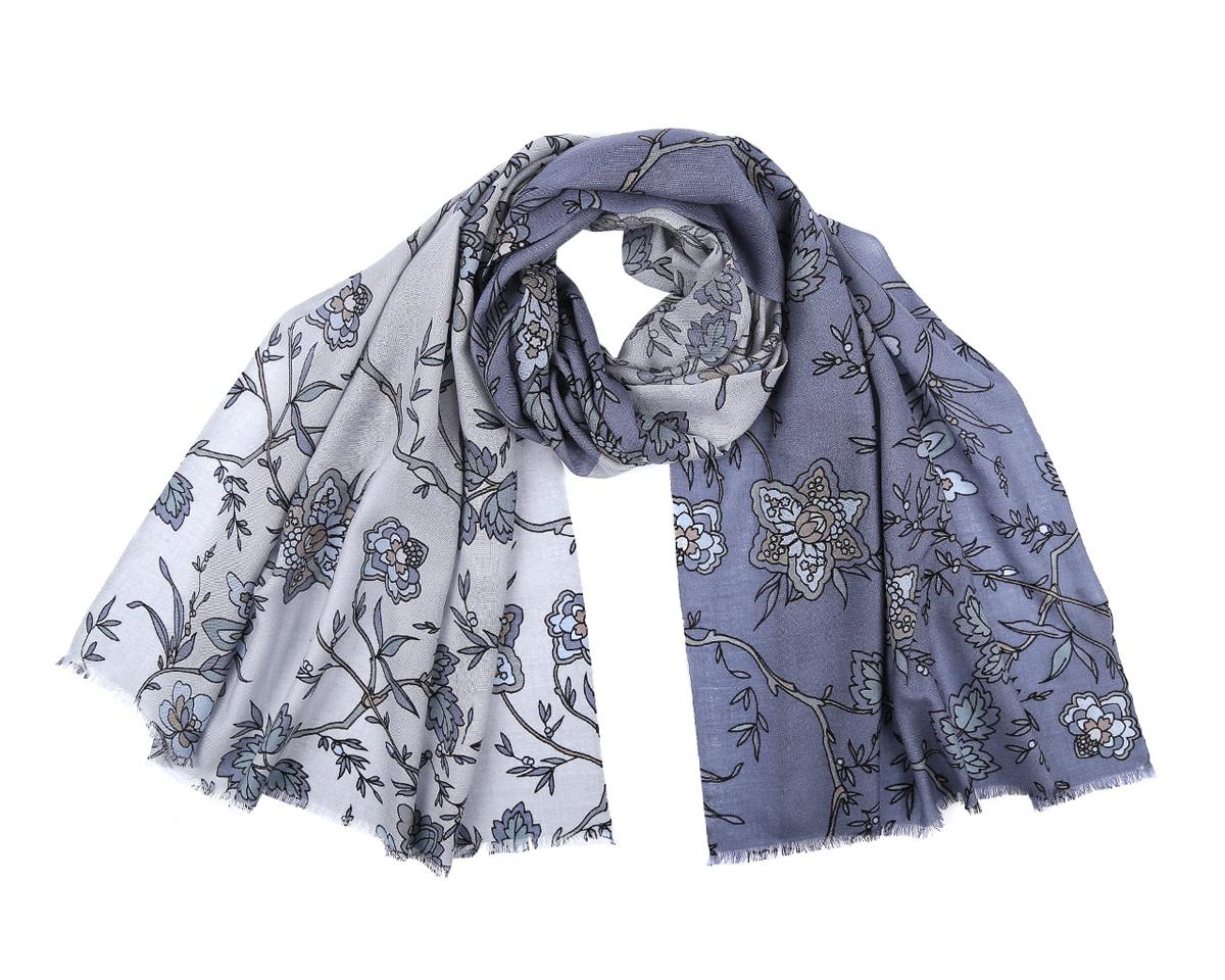 ШарфWP891-5Стильный шарф от Fabretti согреет и подарит незабываемый комфорт и уют. С помощью этого аксессуара вы можете полностью изменить свой образ, экспериментируя со способами его завязывания и вариациями сочетаний с разными нарядами. Модель легкая с приятной фактурой, изготовлена из шерсти, благодаря чему полотно шарфа тонкое и теплое. Шарф оформлен красивым цветочным принтом. Края модели декорированы короткой бахромой. Представленный аксессуар подходит для женщин теплых и холодных цветотипов. Шарф Fabretti гармонично дополнит образ современной женщины, следящей за своим имиджем и стремящейся всегда оставаться стильной и элегантной.