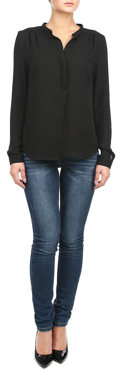 Блузка женская Broadway, цвет: черный. 10153656 999. Размер L (48)10153656 999Стильная блузка Broadway, выполненная из высококачественного материала, - находка для современной женщины, желающей выглядеть стильно и модно.Модель изготовлена из полупрозрачного полиэстера. Изделие прямого кроя с длинными рукавами и V-образным вырезом горловины. Блузка застегивается на пуговицы до середины длины изделия. Манжеты также застегиваются на пуговицы. Блузка с полукруглым низом будет отлично смотреться на вас.Такая модель, несомненно, понравится вам и послужит отличным дополнением к вашему гардеробу.