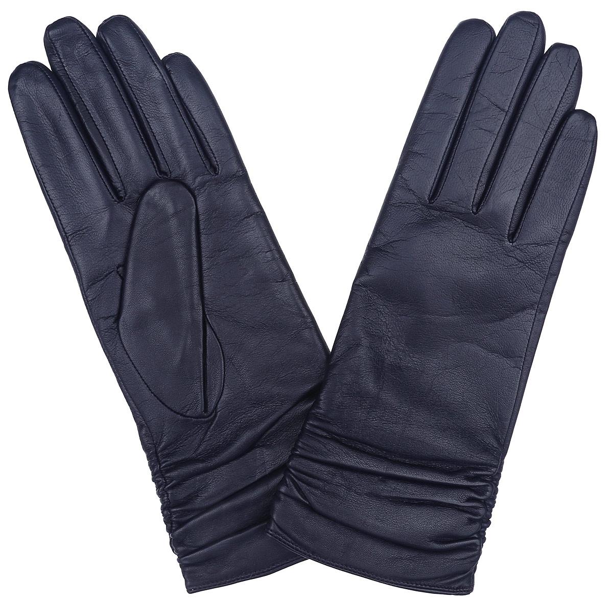 Перчатки женские Labbra, цвет: темно-синий. LB-8228. Размер 6,5LB-8228Классические женские перчатки Labbra не только защитят ваши руки, но и станутвеликолепным украшением. Перчатки выполнены из чрезвычайно мягкой и приятной на ощупь натуральной кожи ягненка, а их подкладка - из натуральной шерсти с добавлением акрила. Модель декорирована сборкой по всей длине манжеты.В настоящее время перчатки являютсянеотъемлемой принадлежностью одежды, вместе с этим аксессуаром выобретаете женственность и элегантность. Перчатки станут завершающим иподчеркивающим элементом вашего стиля и неповторимости.