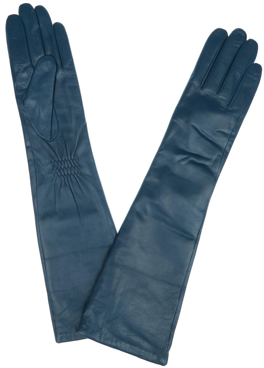 Длинные перчаткиLB-2004Элегантные удлиненные женские перчатки Labbra станут великолепным дополнением вашего образа и защитят ваши руки от холода и ветра во время прогулок. Перчатки выполнены из натуральной кожи ягненка и имеют подкладку из шерсти с добавлением акрила, что позволяет им надежно сохранять тепло и обеспечивает высокую гигроскопичность. Перчатки дополнены сборками на запястьях. Удлиненные манжеты подчеркнут изящество ваших рук. Такие перчатки будут оригинальным завершающим штрихом в создании современного модного образа, они подчеркнут ваш изысканный вкус и станут незаменимым и практичным аксессуаром.