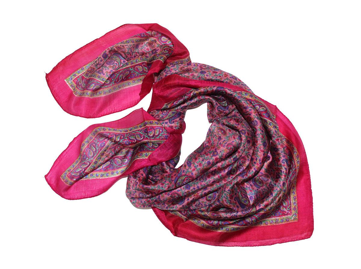 Платок522135нПлаток Ethnica, выполненный из 100% шелка, гармонично дополнит образ современной женщины. Благодаря своему составу, он легкий, мягкий и приятный на ощупь. Края платка оформлены прострочкой. Классическая квадратная форма позволяет носить платок на шее, украшать им прическу или декорировать сумочку. С таким платком вы всегда будете выглядеть женственно и привлекательно.