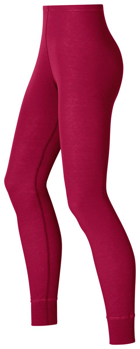 Термобелье брюки152041_15000Теплые женские рейтузы Odlo Warm, изготовленные из 100% полиэстера гарантируют комфорт даже при низких температурах. Благодаря оптимальному влагообмену и теплоизоляции вы будете чувствовать себя комфортно. Невероятно мягкая внутренняя поверхность, выполненная из флиса, дает ощущение сухости и комфорта при любой деятельности в зимнее время года. Рейтузы на талии имеют широкую эластичную резинку. Низ штанин дополнен широкими трикотажными манжетами. Рекомендуемый температурный режим от -10°С до +15°С.