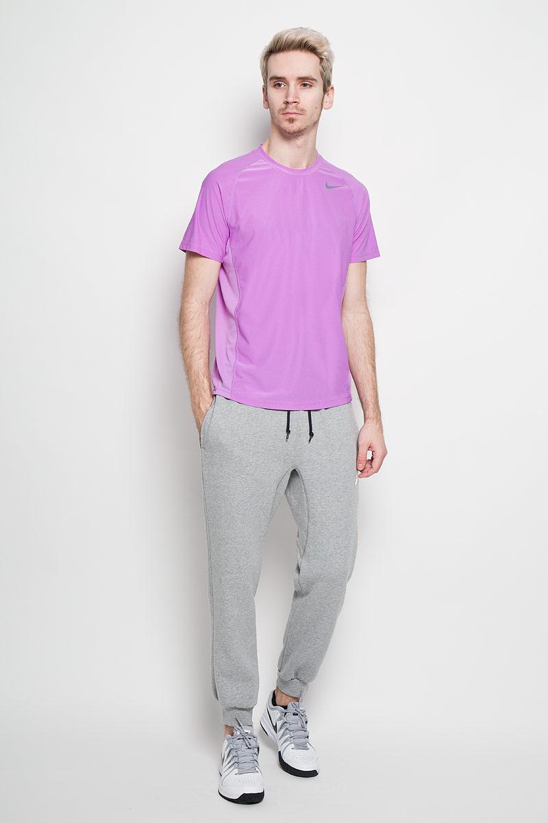 Футболка для фитнеса мужская Nike Advantage, цвет: сиреневый. 523215-554. Размер M (46/48)523215-554Превосходная мужская футболка для фитнесаNike Advantage, выполненная из комфортного материала с функцией отвода влаги, приятная на ощупь, не сковывает движения, обеспечивая наибольший комфорт.Сетчатые вставки из полиэстера обеспечивают превосходную воздухопроницаемость.Модель с комфортными плоскими швами, круглым вырезом горловины и короткими рукавами спереди дополнена фирменным логотипом бренда. Отличный вариант как для занятий спортом, так и для повседневного использования.