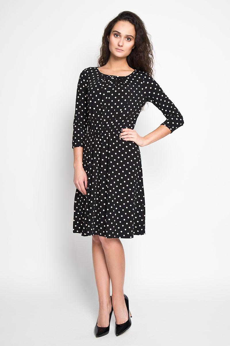 Платье Sela, цвет: черный. DK-117/699-6191. Размер L (48)DK-117/699-6191Элегантное платье Sela выполнено из высококачественного эластичного полиэстера. Такое платье обеспечит вам комфорт и удобство при носке.Модель с рукавами 3/4 и круглым вырезом горловины выгодно подчеркнет все достоинства вашей фигуры благодаря слегка приталенному силуэту. Платье имеет эластичную резинку на поясе. Изделие украшено принтом в горох. Изысканное платье-миди создаст обворожительный и неповторимый образ.Это модное и удобное платье станет превосходным дополнением к вашему гардеробу, оно подарит вам удобство и поможет вам подчеркнуть свой вкус и неповторимый стиль.