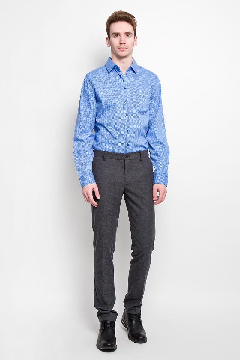 РубашкаH-212/660-6182Стильная мужская рубашка Sela, выполненная из высококачественного 100% хлопка, обладает высокой теплопроводностью, воздухопроницаемостью и гигроскопичностью, позволяет коже дышать, тем самым обеспечивая наибольший комфорт при носке. Модель классического кроя с отложным воротником застегивается на пуговицы. Длинные рукава рубашки дополнены манжетами на пуговицах. Рубашка дополнена нагрудным карманом и оформлена актуальным принтом в мелкую клетку. Такая рубашка подчеркнет ваш вкус и поможет создать великолепный стильный образ.