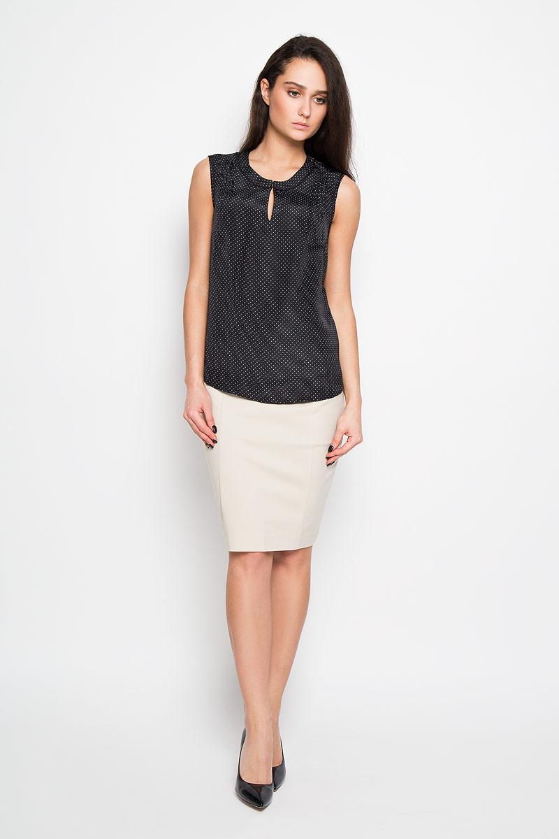 БлузкаTwsl-112/691-6191Стильная женская блуза Sela, выполненная из 100% полиэстера, подчеркнет ваш уникальный стиль и поможет создать оригинальный женственный образ. Элегантная блузка без рукавов, с круглым вырезом горловины застегивается на два крючка спереди. Блузка оформлена принтом в мелкий горох и имеет оригинальный вырез горловины. Такая блузка идеально подойдет для жарких летних дней. Такая блузка будет дарить вам комфорт в течение всего дня и послужит замечательным дополнением к вашему гардеробу.