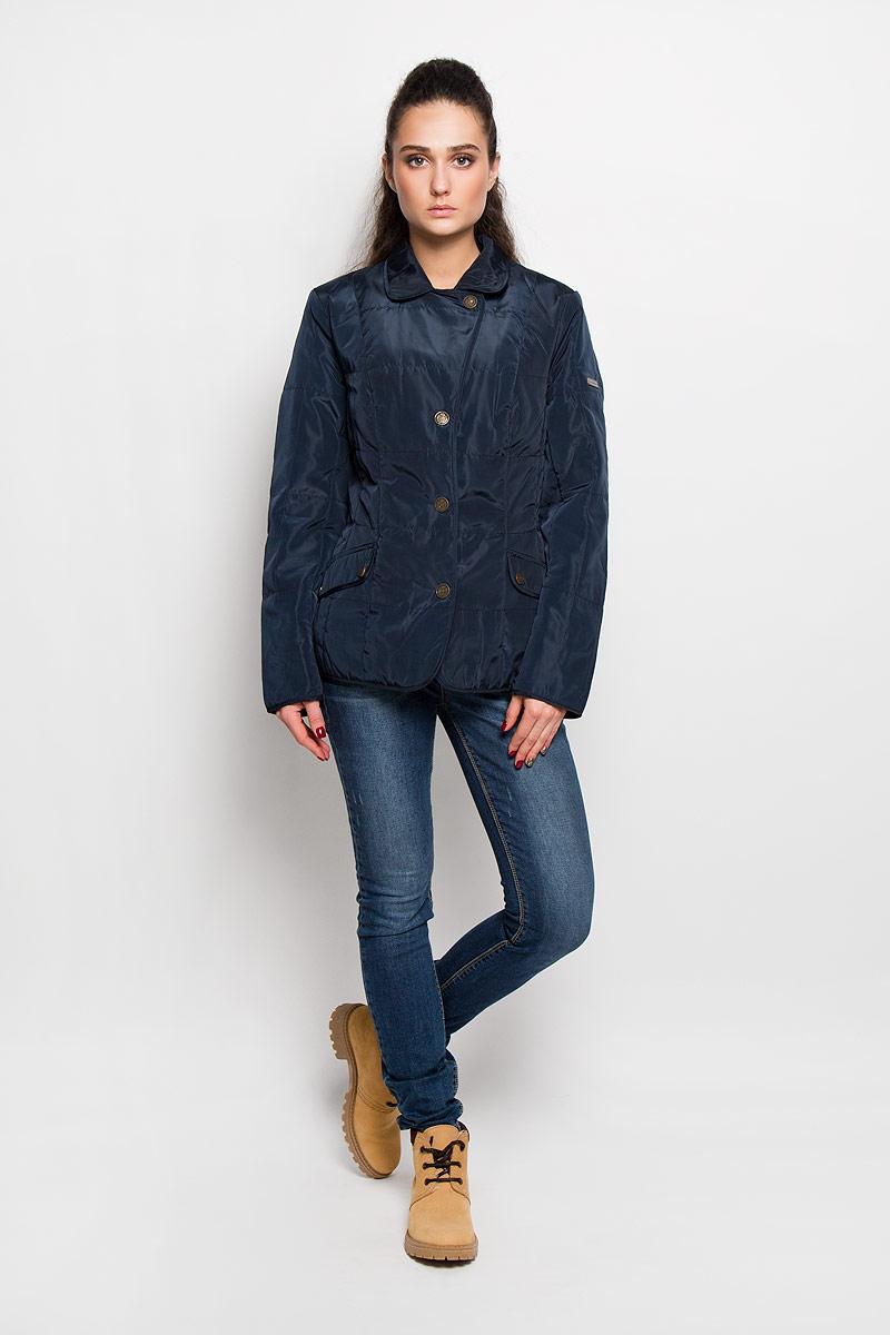Куртка женская Finn Flare, цвет: темно-синий. B16-12005. Размер XL (50)B16-12005Женская куртка Finn Flare отлично подойдет для прохладной погоды. Модель приталенного кроя, с отложным воротником застегивается на кнопки. Куртка выполнена из полиэстера с утеплителем. Изделие дополнено двумя прорезными карманами, которые закрываются клапанами на кнопках. Оформлено изделие отстрочкой, а на рукаве - небольшой пластиной с названием бренда. Эта модная куртка послужит отличным дополнением к вашему гардеробу!